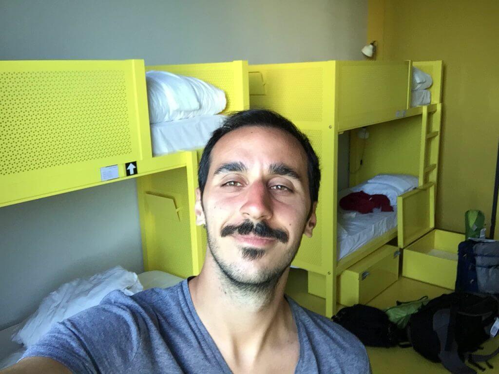 amsterdam hostel seyahat