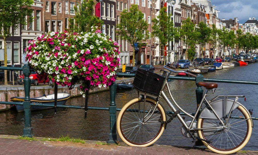 amsterdam bisiklet kiralama
