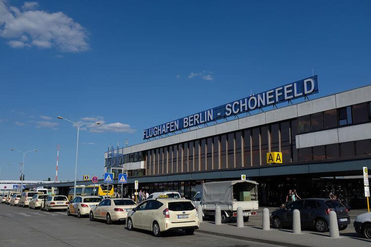 Berlin Havalimanına İniş