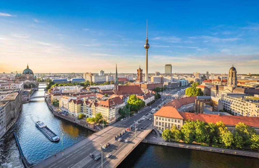 Berlin Merkeze Ulaşım